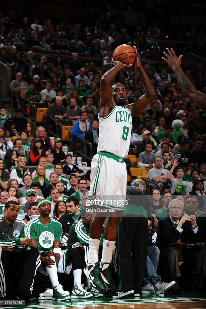 Jeff Green #8 of the Boston Celtics shoots against the Atlanta Hawks on March 29, 2013 at the TD Garden in Boston, Massachusetts.