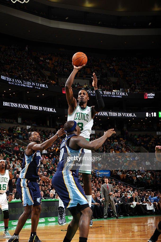 Jeff Green #8 of the Boston Celtics shoots against the Memphis Grizzlies on November 27, 2013 at the TD Garden in Boston, Massachusetts.
