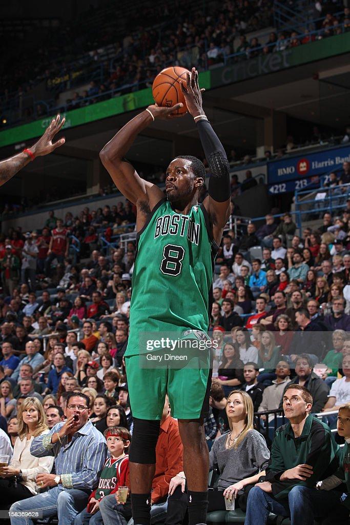 Jeff Green #8 of the Boston Celtics shoots against the Milwaukee Bucks on December 1, 2012 at the BMO Harris Bradley Center in Milwaukee, Wisconsin.