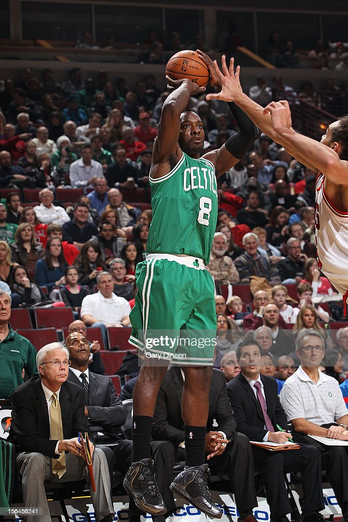 Jeff Green #8 of the Boston Celtics shoots the ball against the Chicago Bulls on November 12, 2012 at the United Center in Chicago, Illinois.