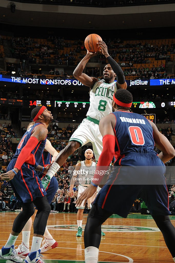 Jeff Green #8 of the Boston Celtics takes a shot against the Detroit Pistons on March 9, 2014 at the TD Garden in Boston, Massachusetts.