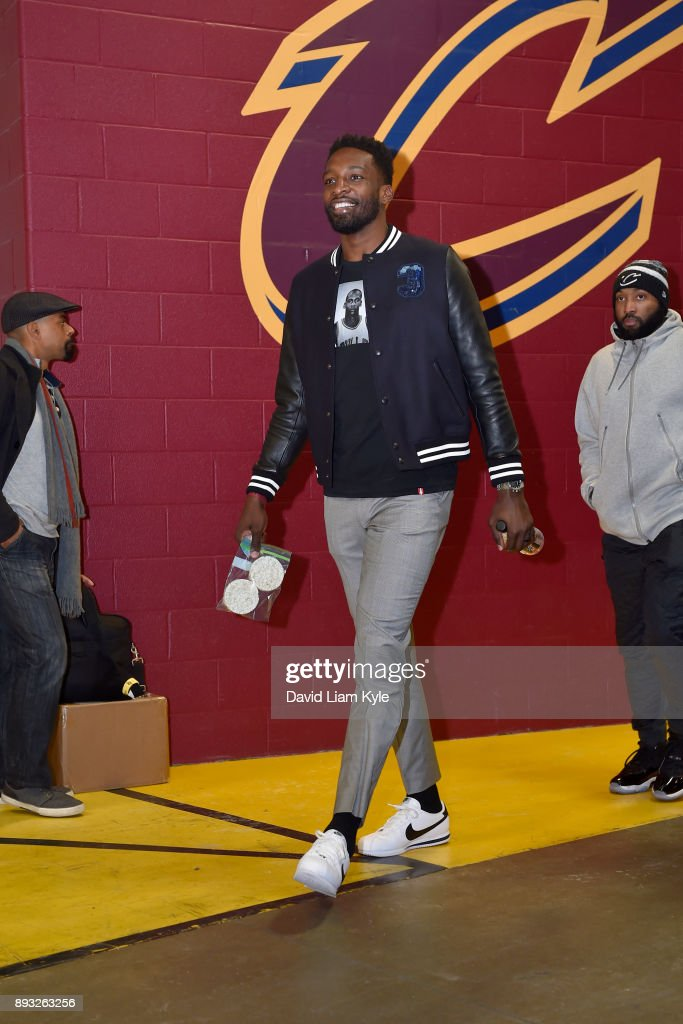 Jeff Green #32 of the Cleveland Cavaliers arrives before the game against the Los Angeles Lakers on December 14, 2017 at Quicken Loans Arena in Cleveland, Ohio.