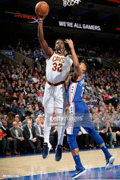 Jeff Green of the Cleveland Cavaliers drives to the basket against the Philadelphia 76ers on November 27 2017 in Philadelphia Pennsylvania NOTE TO...