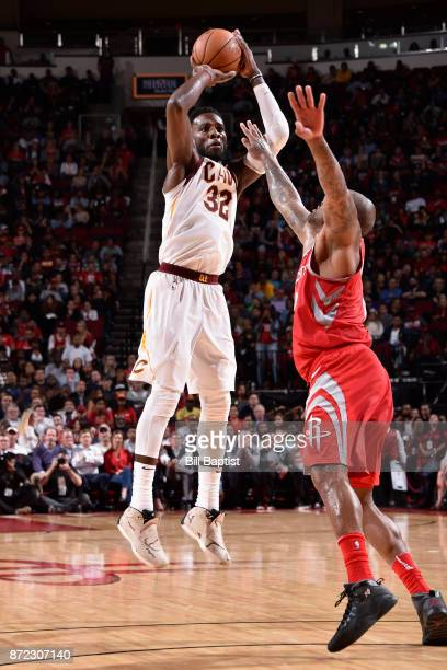 Jeff Green of the Cleveland Cavaliers shoots the ball against the Houston Rockets on NOVEMBER 9 2017 at the Toyota Center in Houston Texas NOTE TO...
