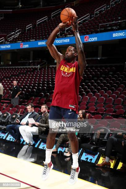 Jeff Green of the Cleveland Cavaliers warms up prior to the preseason game against the Indiana Pacers on October 6 2017 at Quicken Loans Arena in...