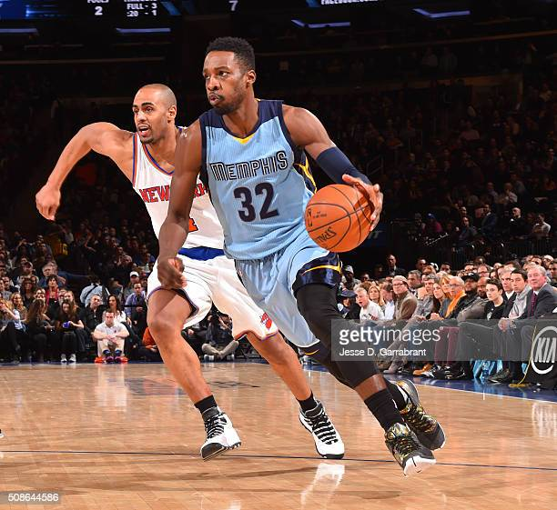 Jeff Green of the Memphis Grizzlies drives to the basket against the New York Knicks at Madison Square Garden on February 5 2016 in New YorkNew York...
