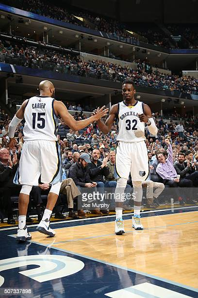 Jeff Green of the Memphis Grizzlies shakes hands with Vince Carter of the Memphis Grizzlies during the game against the Milwaukee Bucks on January 28...
