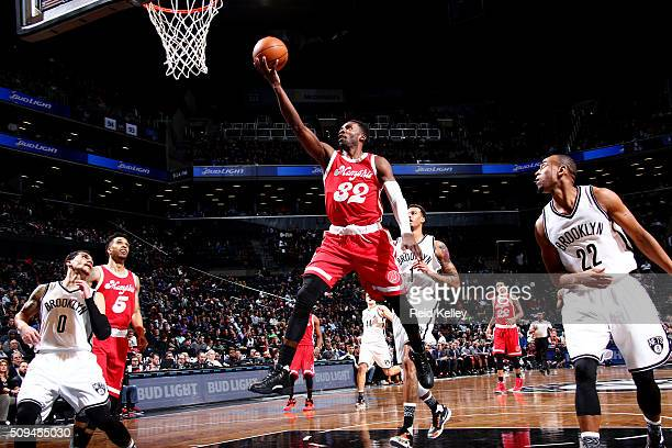 Jeff Green of the Memphis Grizzlies shoots the ball against the Brooklyn Nets on February 10 2016 at Barclays Center in Brooklyn New York NOTE TO...