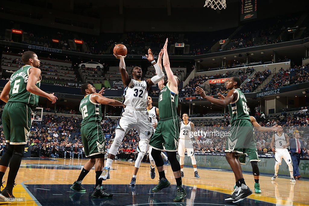 <a gi-track='captionPersonalityLinkClicked' href=/galleries/search?phrase=Jeff+Green+-+Jogador+de+basquete&family=editorial&specificpeople=4218745 ng-click='$event.stopPropagation()'>Jeff Green</a> #32 of the Memphis Grizzlies shoots the ball against the Milwaukee Bucks on January 28, 2016 at FedExForum in Memphis, Tennessee.