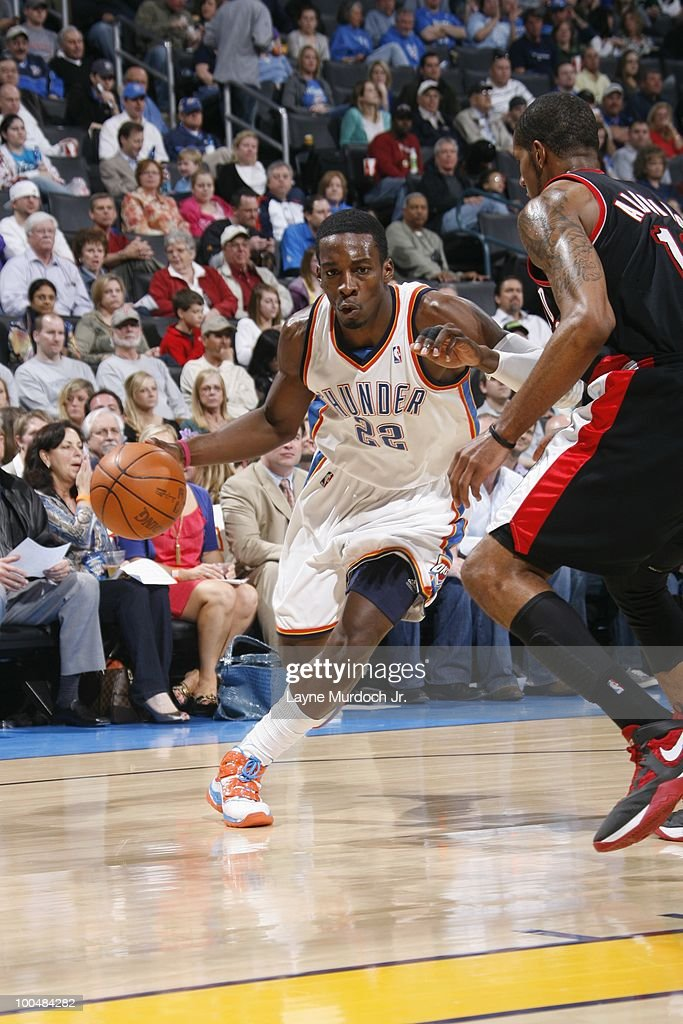 Jeff Green #22 of the Oklahoma City Thunder dribbles against LaMarcus Aldridge #12 of the Portland Trailblazers on March 28, 2010 at the Ford Center in Oklahoma City, Oklahoma.