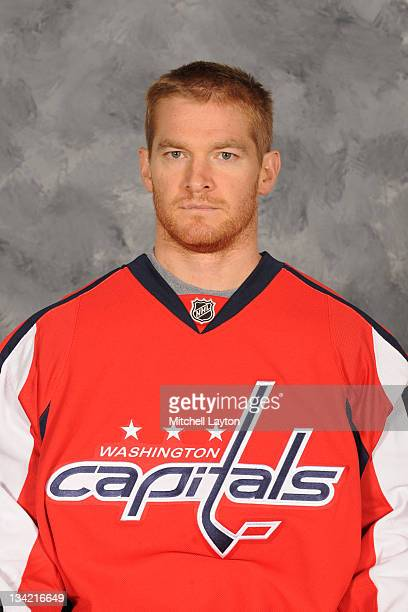 Jeff Halpern of the Washington Capitals poses for his official headshot for the 20112012 NHL season on September 16 2011 at the Kettler Capitals...
