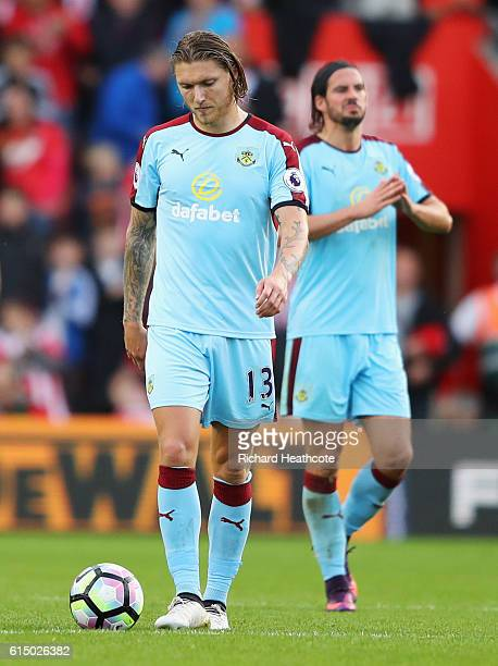 Jeff Hendrick and George Boyd of Burnley look dejected during the Premier League match between Southampton and Burnley at St Mary's Stadium on...