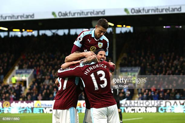 Jeff Hendrick of Burnley celebrates scoring his sides first goal with his Burnley team mates during the Premier League match between Burnley and AFC...