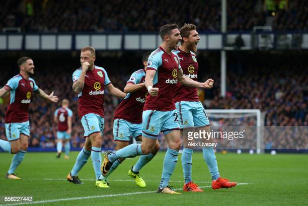 Jeff Hendrick of Burnley celebrates scoring his sides first goal with his Burnley team mates during the Premier League match between Everton and...