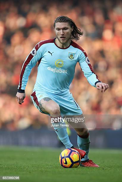 Jeff Hendrick of Burnley in action during the Premier League match between Arsenal and Burnley at Emirates Stadium on January 22 2017 in London...