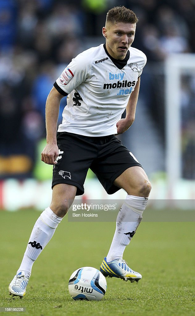 Jeff Hendrick of Derby in action during the npower Championship match between Derby County and Leeds United at Pride Park on December 8, 2012 in Derby, England.