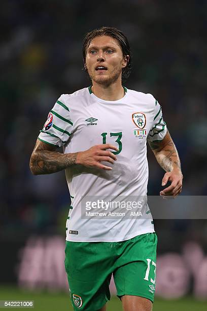 Jeff Hendrick of Irelad in action during the UEFA EURO 2016 Group E match between Italy and Republic of Ireland at Stade PierreMauroy on June 22 2016...
