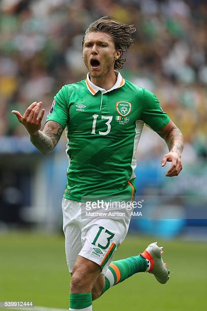 Jeff Hendrick of Republic of Ireland during the UEFA EURO 2016 Group E match between Republic of Ireland and Sweden at Stade de France on June 13...