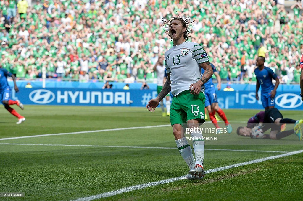 <a gi-track='captionPersonalityLinkClicked' href=/galleries/search?phrase=Jeff+Hendrick+-+Soccer+Player&family=editorial&specificpeople=15923342 ng-click='$event.stopPropagation()'>Jeff Hendrick</a> of the Republic of Ireland reacts during the UEFA Euro 2016 round of 16 match between France and the Republic of Ireland at Stade des Lumieres on June 26, 2016 in Lyon, France.