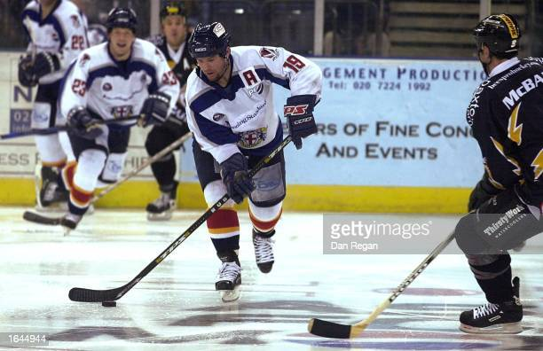 Jeff Hoad of the Knights takes on the Bees defence during the Ice Hockey Super League match between London Knights and Bracknell Bees November 14...