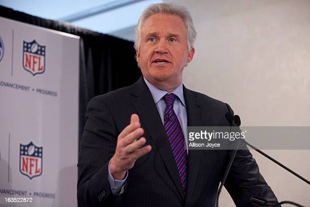 Jeff Immelt chairman and CEO of General Electric speaks at a news conference March 11 2013 New York City Immelt and NFL Commissioner Roger Goodell...