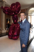 Jeff Koons attends the 'Il Mondo Vi Appartiene' Exhibition Opening during the 54th International Art Biennale at Palazzo Grassi on June 1 2011 in...