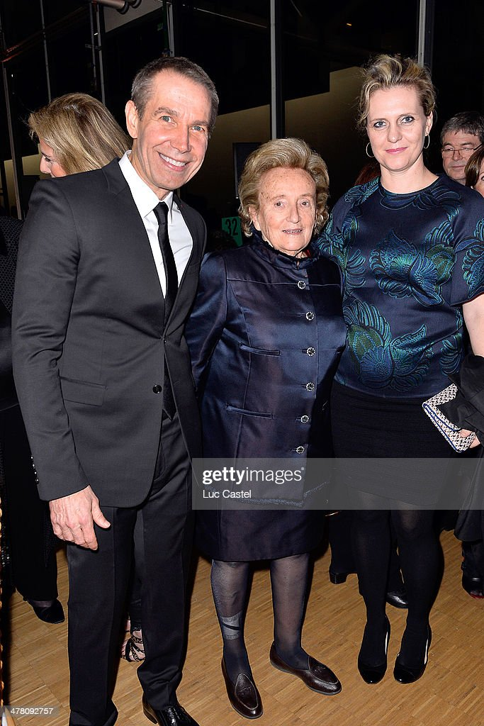 Jeff Koons, Bernadette Chirac and Justine Koons attend the 'Societe des amis du Musee D'Art Moderne' : Annual Dinner. Held at Centre Pompidou on March 11, 2014 in Paris, France.
