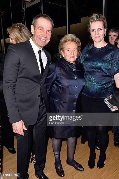 Jeff Koons Bernadette Chirac and Justine Koons attend the 'Societe des amis du Musee D'Art Moderne' Annual Dinner Held at Centre Pompidou on March 11...