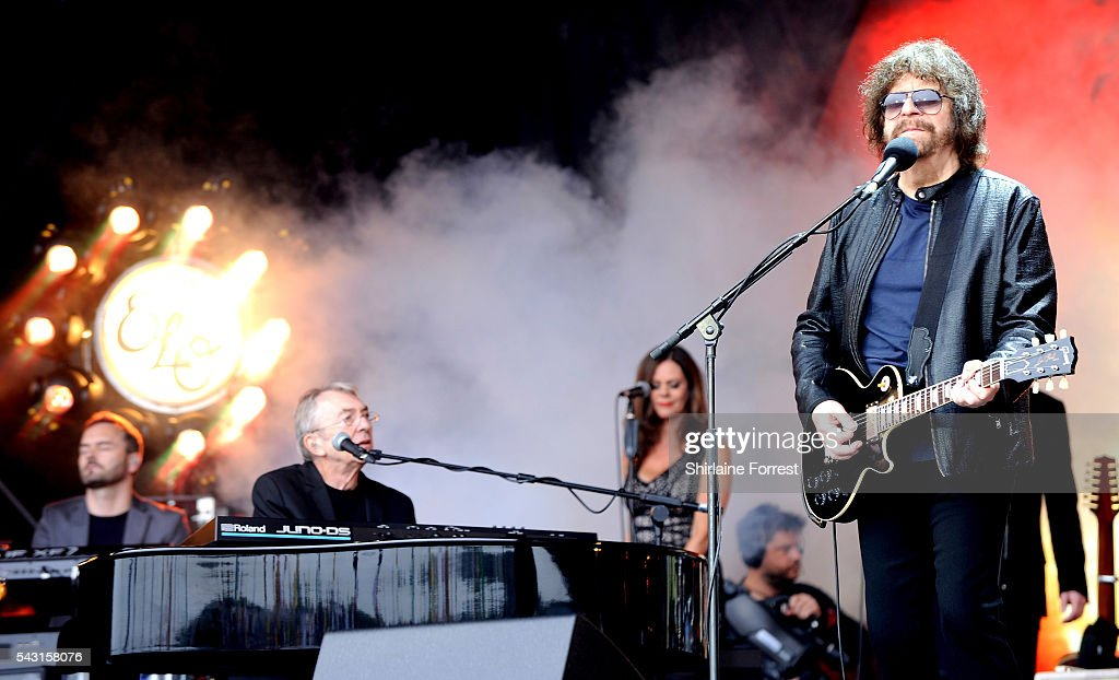 Jeff Lynne of Jeff Lynne's ELO performs on The Pyramid Stage at Glastonbury Festival 2016 at Worthy Farm, Pilton on June 25, 2016 in Glastonbury, England.