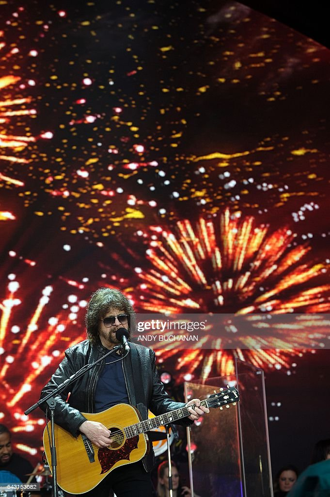 Jeff Lynne's ELO perform on the Pyramid Stage on day five of the Glastonbury Festival of Music and Performing Arts on Worthy Farm near the village of Pilton in Somerset, South West England on June 26, 2016. / AFP / Andy Buchanan