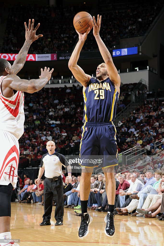 Jeff Pendergraph #29 of the Indiana Pacers shoots against the Houston Rockets on March 27, 2013 at the Toyota Center in Houston, Texas.