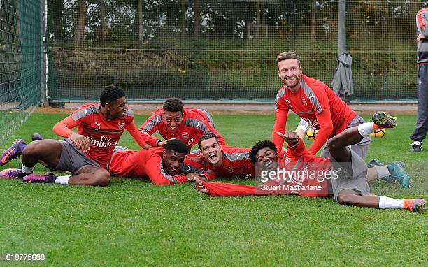 Jeff ReineAdelaide Alex Iwobi Donyell Malen Granit Xhaka Ainsley MaitlandNiles and Shkodran Mustafi of Arsenal during a training session at London...