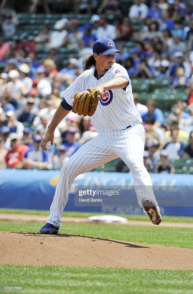 Jeff Samardzija #29 of the Chicago Cubs pitches against the Houston Astros during the first inning on June 23, 2013 at Wrigley Field in Chicago, Illinois.