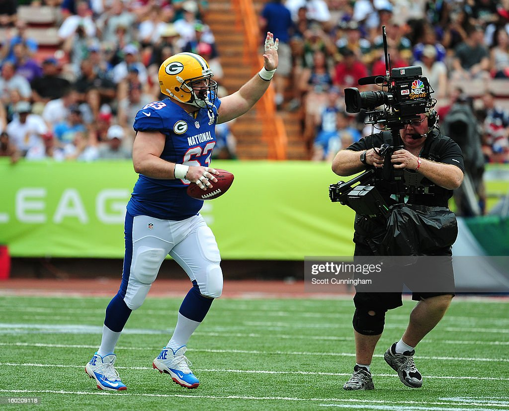 Jeff Saturday #63 of the Green Bay Packers heads off the field after a play with the AFC team against the National Football Conference team during the 2013 Pro Bowl at Aloha Stadium on January 27, 2013 in Honolulu, Hawaii Saturday will retire from the NFL after the Pro Bowl.