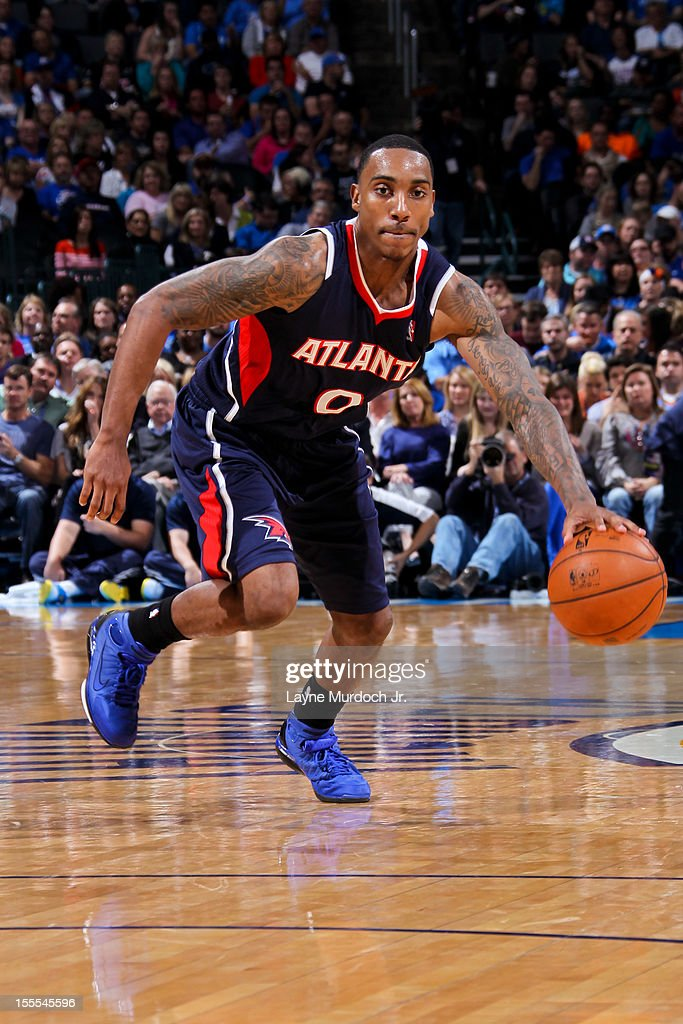 <a gi-track='captionPersonalityLinkClicked' href=/galleries/search?phrase=Jeff+Teague&family=editorial&specificpeople=4680498 ng-click='$event.stopPropagation()'>Jeff Teague</a> #0 of the Atlanta Hawks controls the ball against the Oklahoma City Thunder on November 4, 2012 at the Chesapeake Energy Arena in Oklahoma City, Oklahoma.