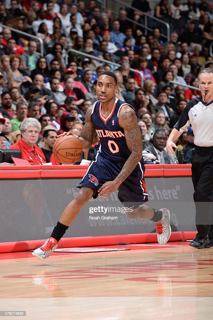 Jeff Teague #0 of the Atlanta Hawks drives against the Los Angeles Clippers at Staples Center on March 8, 2014 in Los Angeles, California.