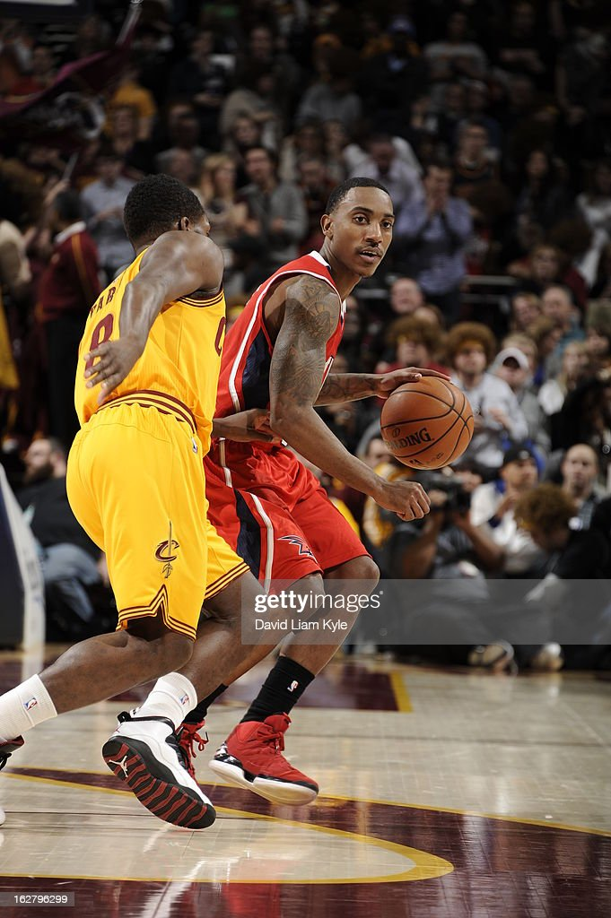 Jeff Teague #0 of the Atlanta Hawks looks to drive to the basket against the Cleveland Cavaliers at The Quicken Loans Arena on December 28, 2012 in Cleveland, Ohio.