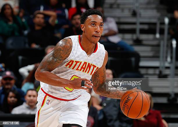 Jeff Teague of the Atlanta Hawks pushes the ball up the court against the Brooklyn Nets at Philips Arena on November 4 2015 in Atlanta Georgia NOTE...