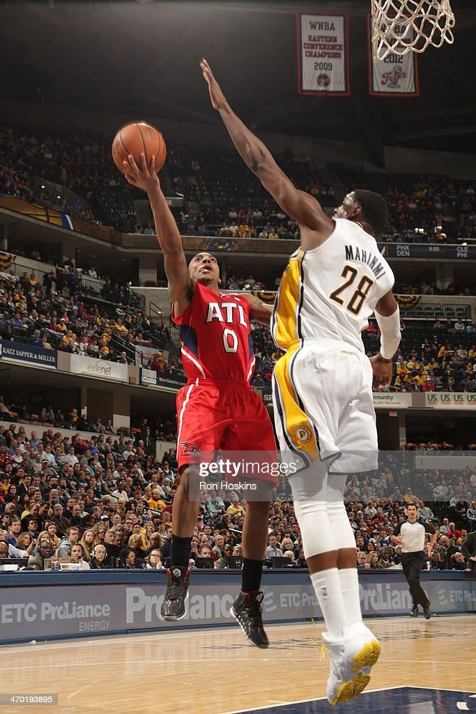 <a gi-track='captionPersonalityLinkClicked' href=/galleries/search?phrase=Jeff+Teague&family=editorial&specificpeople=4680498 ng-click='$event.stopPropagation()'>Jeff Teague</a> #0 of the Atlanta Hawks shoots against the Indiana Pacers at Bankers Life Fieldhouse on February 18, 2014 in Indianapolis, Indiana.