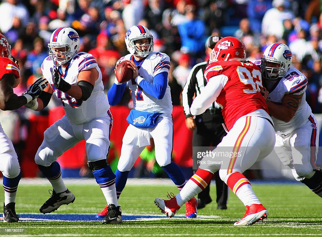 Jeff Tuel #7 of the Buffalo Bills readies to pass against the Kansas City Chiefs at Ralph Wilson Stadium on November 3, 2013 in Orchard Park, New York. Kansas City won 23-13.