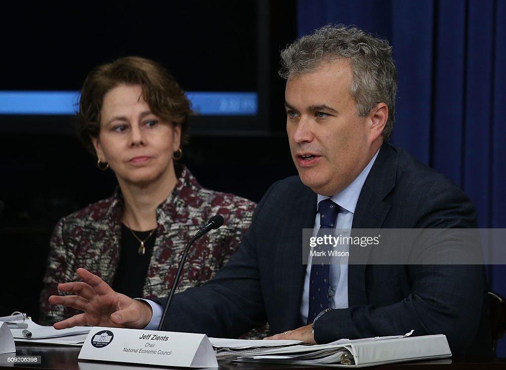 Jeff Zients (R), Director of the National Economic Council, speaks while flanked by Cecilia Muoz, Director of the Domestic Policy Council, during a briefing on President Obama's FY 2017 budget request, at the White House, February 8, 2016 in Washington, DC.
