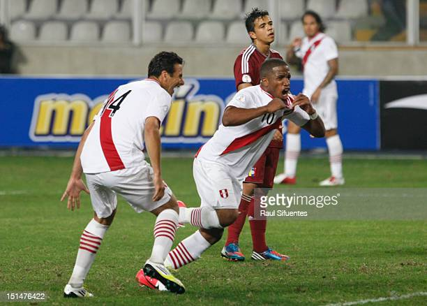 Jefferson Farfan of Perœu celebrates a goal during a match between Perœ and Venezuela as part of the South American Qualifiers for the FIFA Brazil...