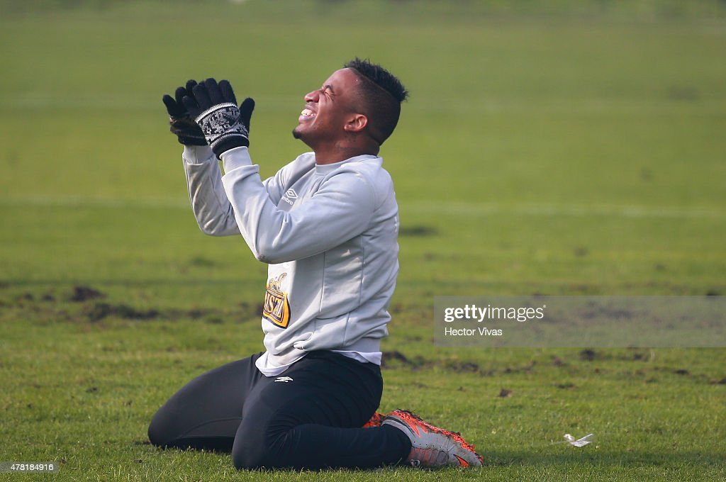 Jefferson Farfan of Peru during a training session at German Becker Stadium on June 23 2015 in Temuco Chile Peru will face Bolivia as part of 2015...