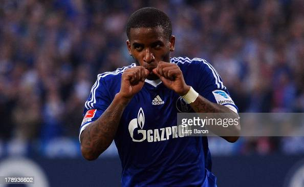 Jefferson Farfan of Schalke celebrates after scoring his teams second goal during the Bundesliga match between FC Schalke 04 and Bayer Leverkusen at...