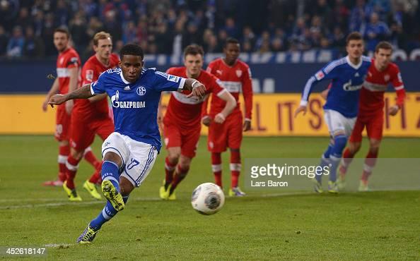 Jefferson Farfan of Schalke scores his teams second goal during the Bundesliga match between FC Schalke 04 and VfB Stuttgart at VeltinsArena on...