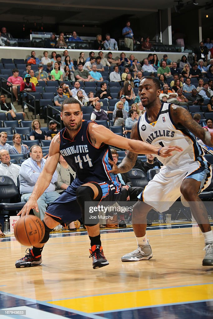 Jeffery Taylor #44 of the Charlotte Bobcats drives against <a gi-track='captionPersonalityLinkClicked' href=/galleries/search?phrase=Tony+Wroten&family=editorial&specificpeople=7651920 ng-click='$event.stopPropagation()'>Tony Wroten</a> #1 of the Memphis Grizzlies on April 9, 2013 at FedExForum in Memphis, Tennessee.