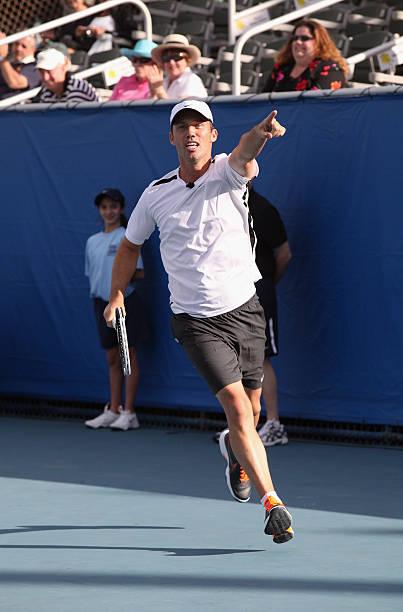 Tennis Jokes - Tennis Racquet Jokes - Jokes4us.com
