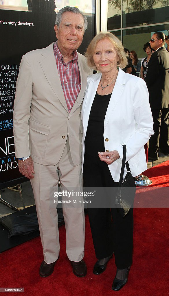 Jeffrey Hayden (L) and actress Eva Marie Saint attend the Premiere Of HBO's 'The Newsroom' at the ArcLight Cinemas Cinerama Dome on June 20, 2012 in Hollywood, California.