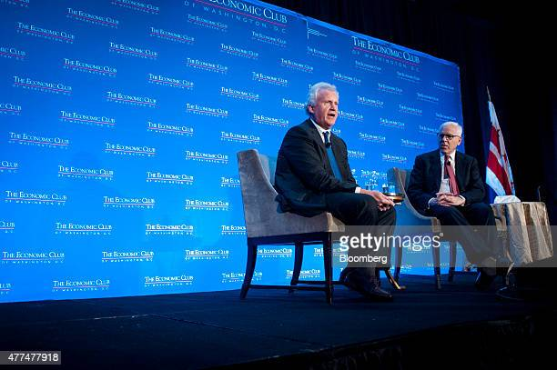Jeffrey 'Jeff' Immelt chairman and chief executive officer of General Electric Co left speaks with David Rubenstein cofounder and cochief executive...