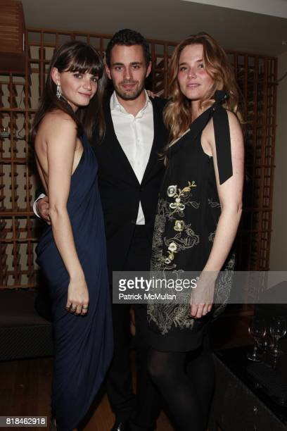 Jeisa Chiminazzo Oliver Ripley and Nicola Steiner attend INSTITUTE FOR CIVIC LEADERSHIP Fundraiser at Cipriani's 'The Vault' on January 7 2010 in New...